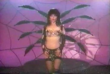 Cassandra Peterson (Elvira) Twirling Bra Tassles