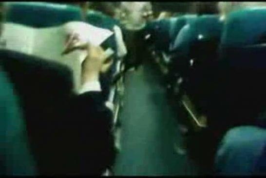 DeLaRue pete les plombs dans l'avion
