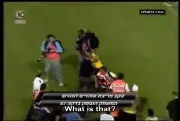 Un footballeur blessé est guéri instantanément par un photographe !