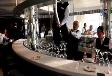 Tout le monde aimerait pouvoir faire des cocktails comme ce barman !