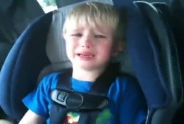 Un enfant arrète de pleurer que si ses parents lui mettent du Iron Maiden