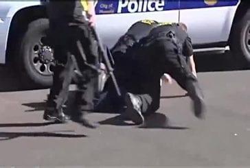 Un jeune voulant narguer la police se fait remettre en place !