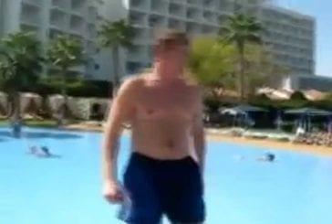 Un jeune homme bourré veut faire un bakflip dans une piscine de 30 cm..
