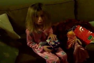 Cet enfant reçoit du charbon pour Noel !