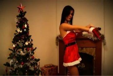 Un strip-tease de Noël très Sexy