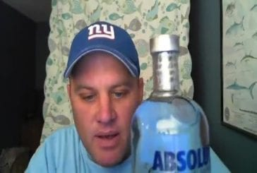 Il descend de la vodka en 15 secondes !