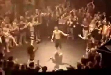 Un combattant fait son show