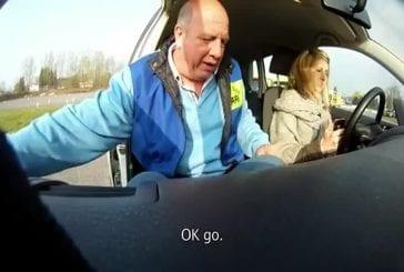 Auto-école - Apprendre à envoyer des SMS au volant