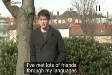 Alex Rawlings explique comment parler 11 langues facilement