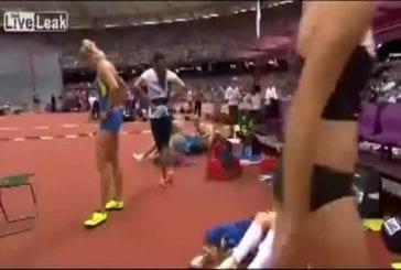 Eliska Klucinova change de culotte aux jeux olympiques 2012