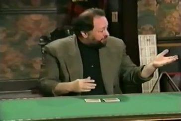 Un magicien de cartes nous montre ses talents