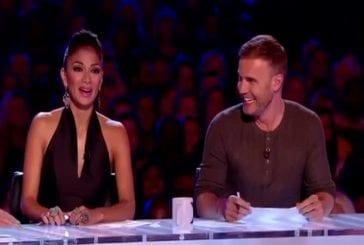 Lorna Bliss participe à X Factor en string et bas résille