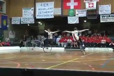 Une incroyable maîtrise de leur vélo
