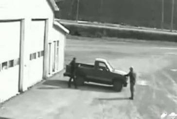 Voleur de voiture qui ne sait pas conduire