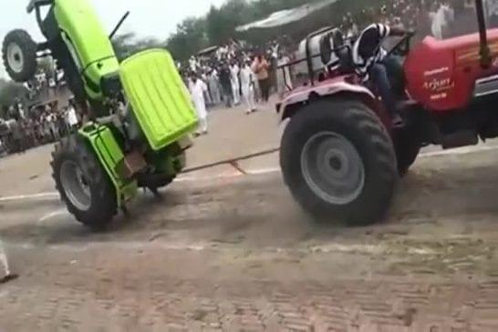 Combat de tracteurs