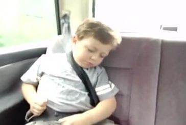 Comment réveiller un enfant endormi