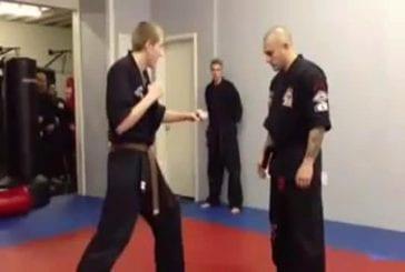Ce professeur d'art martial danse le Gangnam Style