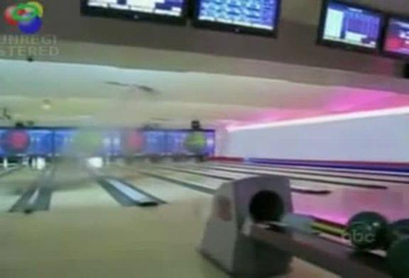 Détruire le plafond d'un bowling