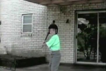 Détruire une vitre au baseball