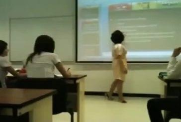 Ne plaisante pas avec ce professeur!