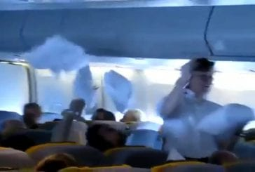 Bataille d'oreillers en avion