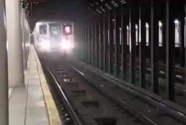 Héro dans le métro