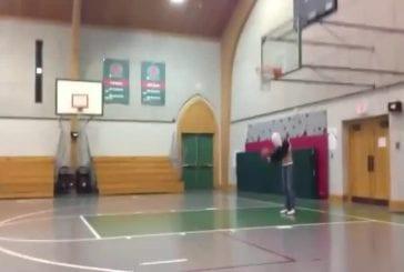 Faire un panier de basket à l'aveugle