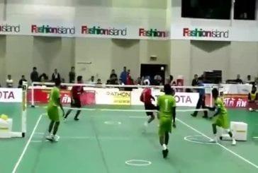 Vollery-ball Tennis Football et Kung-Fu en même temps