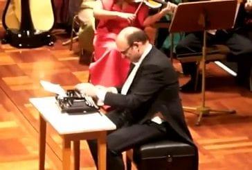 Jouer de la machine à écrire