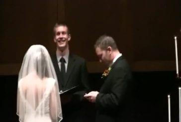 Gazouillis et facebooking au mariage