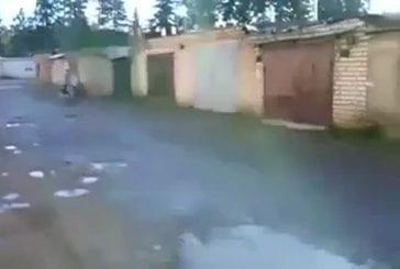 Il lui avait demandé d'essayer sa moto