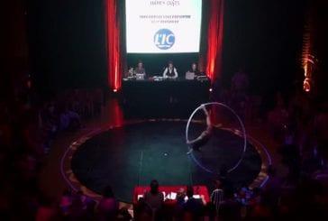 La roue Cyr numéro de cirque