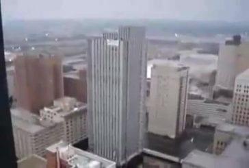 Parfaite démolition d'un bâtiment en centre ville
