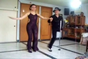 Unijambiste danse la salsa