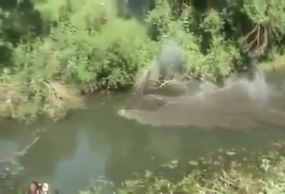 Conduire une jeep sous l'eau