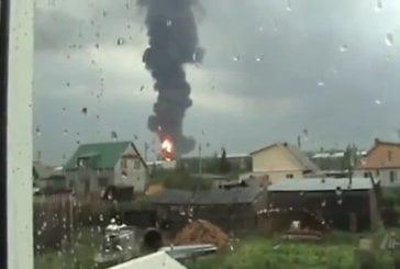 Grosse explosion d'une cuve d'huile