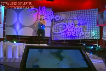 Une chanteuse argentine dévoile un sein par erreur