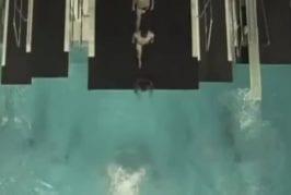 Sauter à l'infini dans la piscine