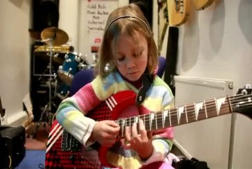 Guitariste de 7 ans