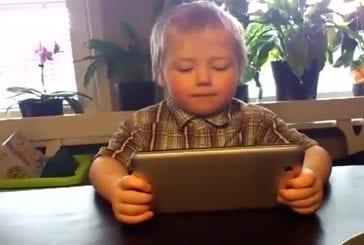 Enfant de 3 ans chante Gotye