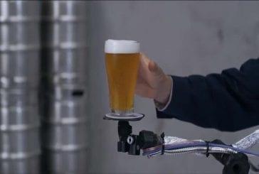 Preuve qu'on peut danser et boire de la bière sans renverser
