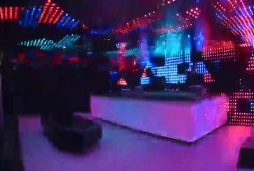 Discothèque branchée illuminée de LED