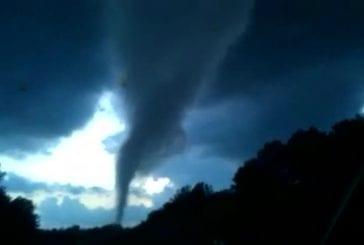 Formation d'une tornade en Caroline du Nord