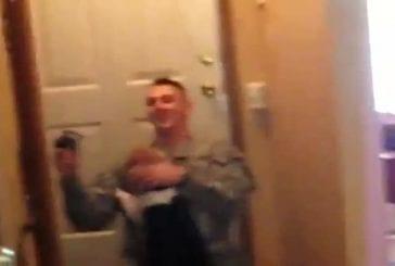 Soldat américain rentre de mission