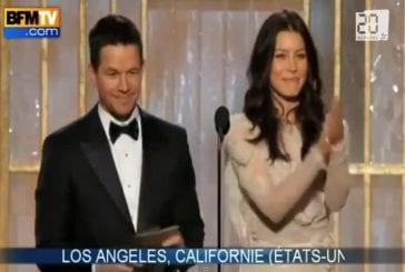 Le sein d'Alexandra Lamy au Golden Globes