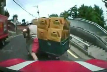 Un scooter bien trop chargé