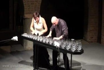Musique féérique avec des verres