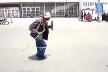 Façon étrange de danser