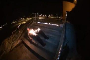 Remettre de l'huile sur un homme en feu