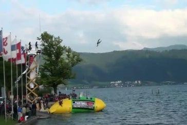 Record du monde du saut sur un blob géant